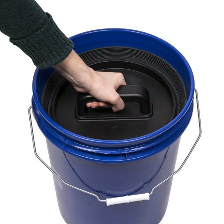 Feed Bucket with Lid Example