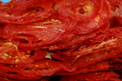 01_Dried Tomato Chips